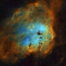 IC410_Hubble